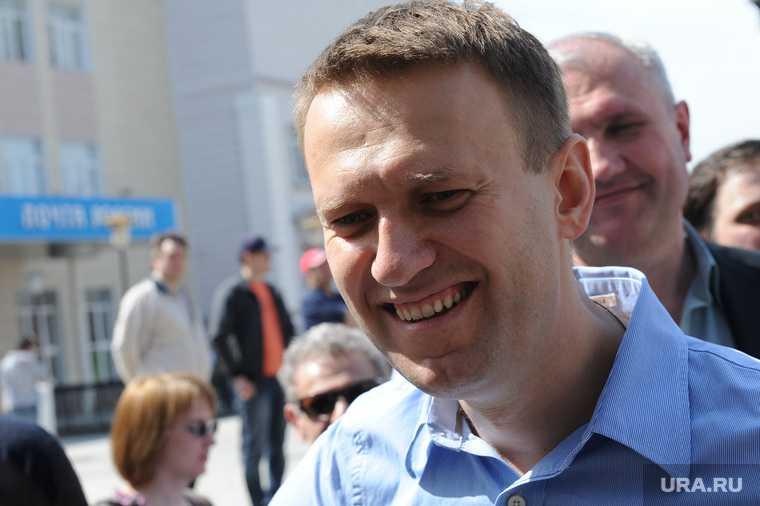 Навальный вышел из комы