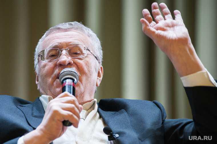 Жириновский разрешить голосовать подросткам