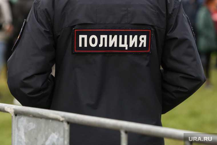 Санкт-Петербург вооружился топором захватчик заложники дети мужчина
