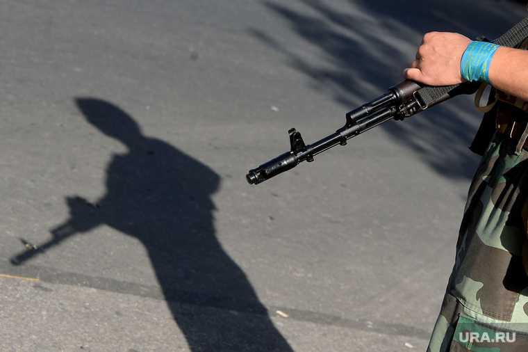 вооружение охранников в российских школах