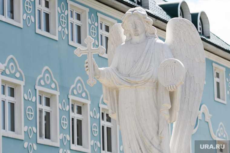 экзорцизм изгнание бесов православие верующие РПЦ митрополит Иларион