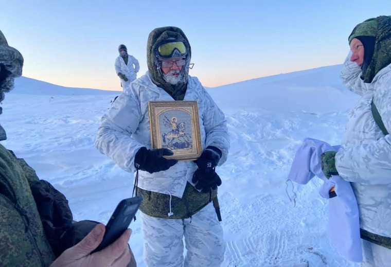 Челябинские VIP вернулись с перевала Дятлова. «Температура минус 53». Фото