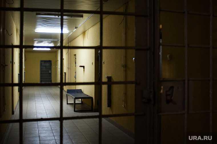 телефоны в тюрьмах