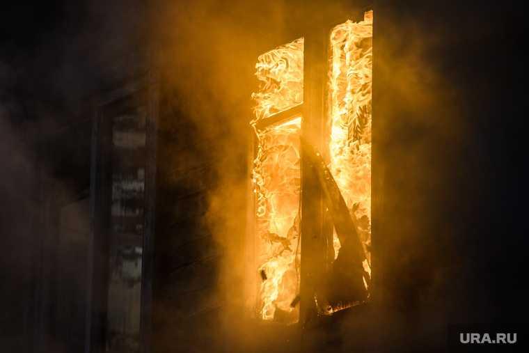 частный дом Добрянский округ пожар двое взрослых и двое детей гибель