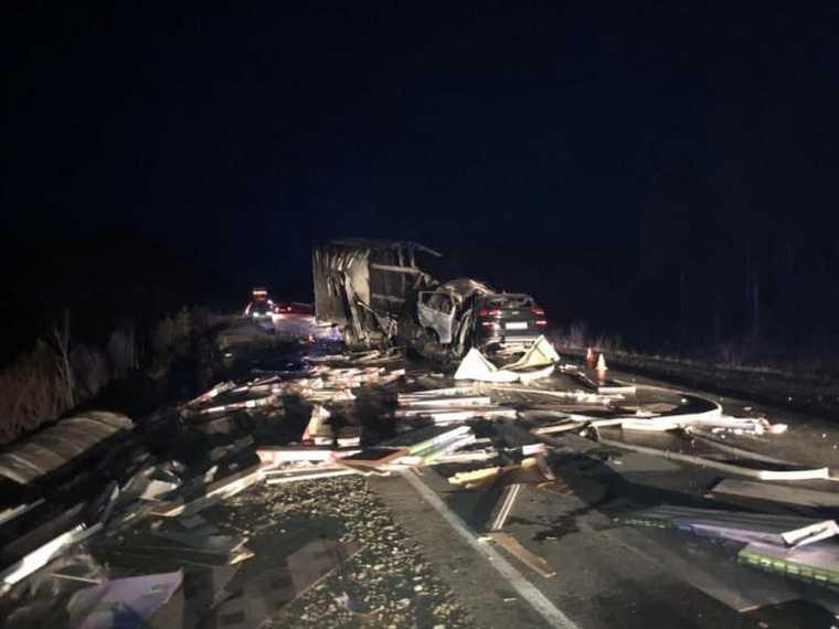 новости хмао дтп авария на трассе погибли четыре 4 человека загорелся автомобиль лобовое столкновение организовали проверку
