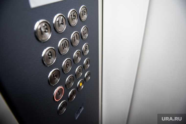 лифт с 14 пассажирами рухнул в высотке Екатеринбурга