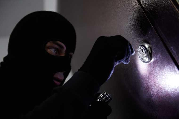 ограбили магазины Курганская область